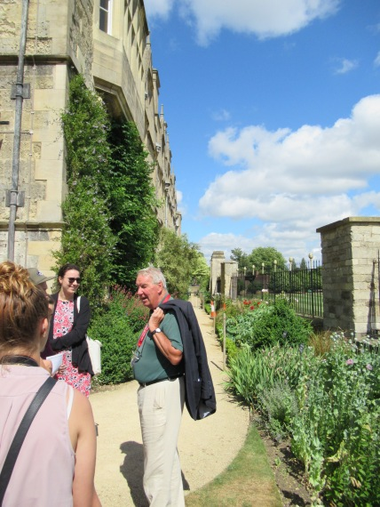 Our guide Alistair telling us about how much leisure Oxford dons had in the 1950's - lots of time for drinking beer and writing books...